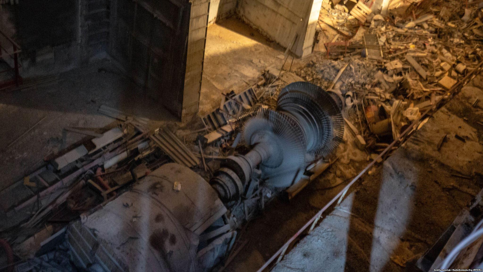 Восьма турбіна. Раніше вона виробляла електроенергію від четвертого енергоблоку ЧАЕС. Зараз вона «виробляє» лише радіаційне випромінювання (Photographer: Andriy Dubchak)