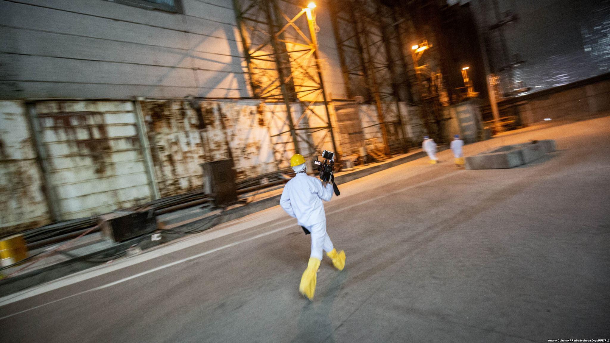 Спробуємо підійти до сьомої турбіни – найзабрудненішої в машинному залі ЧАЕС (Photographer: Andriy Dubchak)