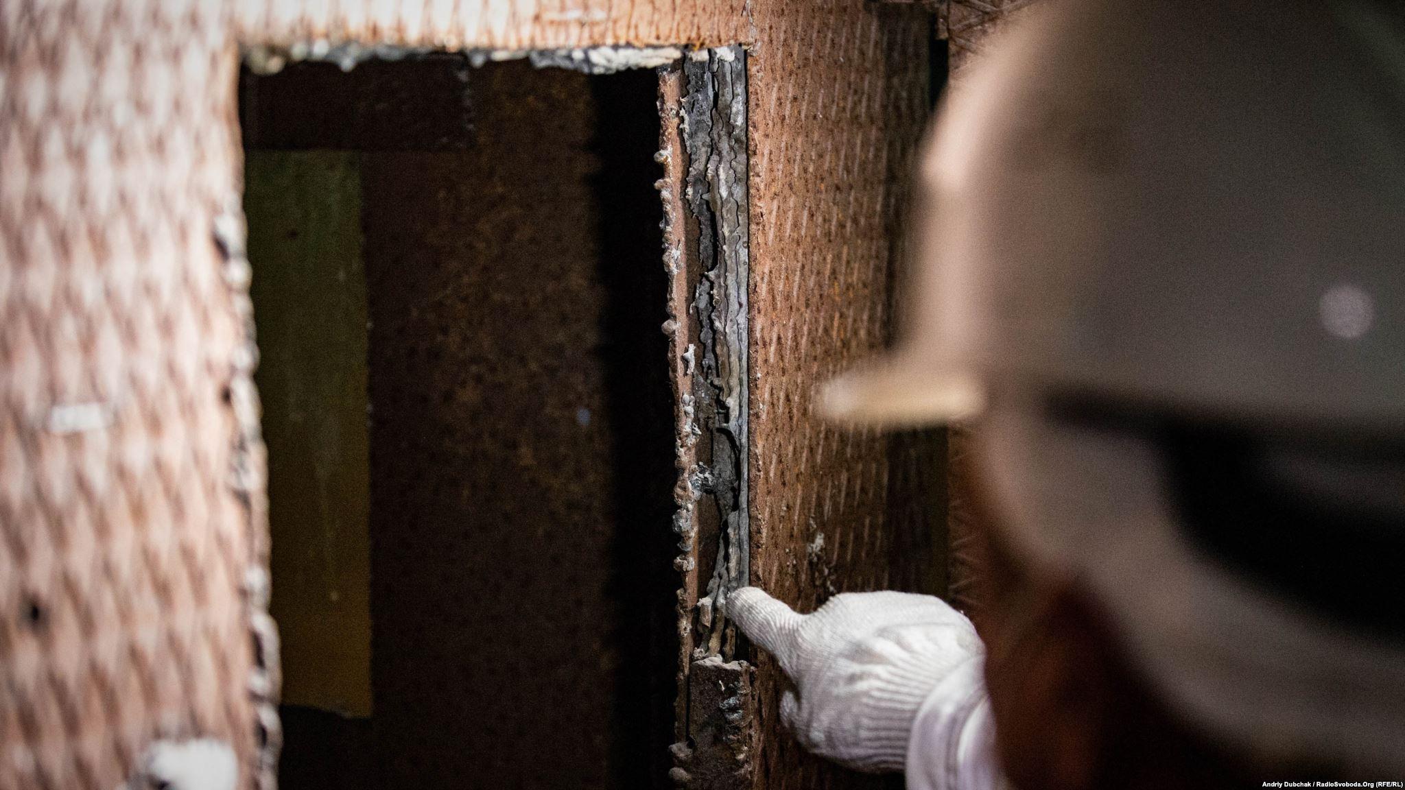 Свинець у стінках «будки дозиметриста» (Photographer: Andriy Dubchak)