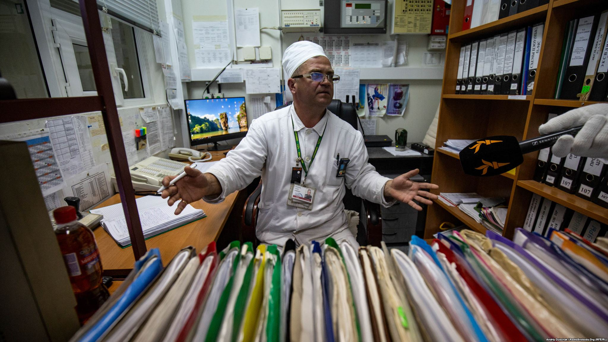 Сергій Красиков, начальник зміни цеху експлуатації об'єкта «Укриття» – сьогодні він керує найрадіоактивнішою будівлею планети (Photographer: Andriy Dubchak)