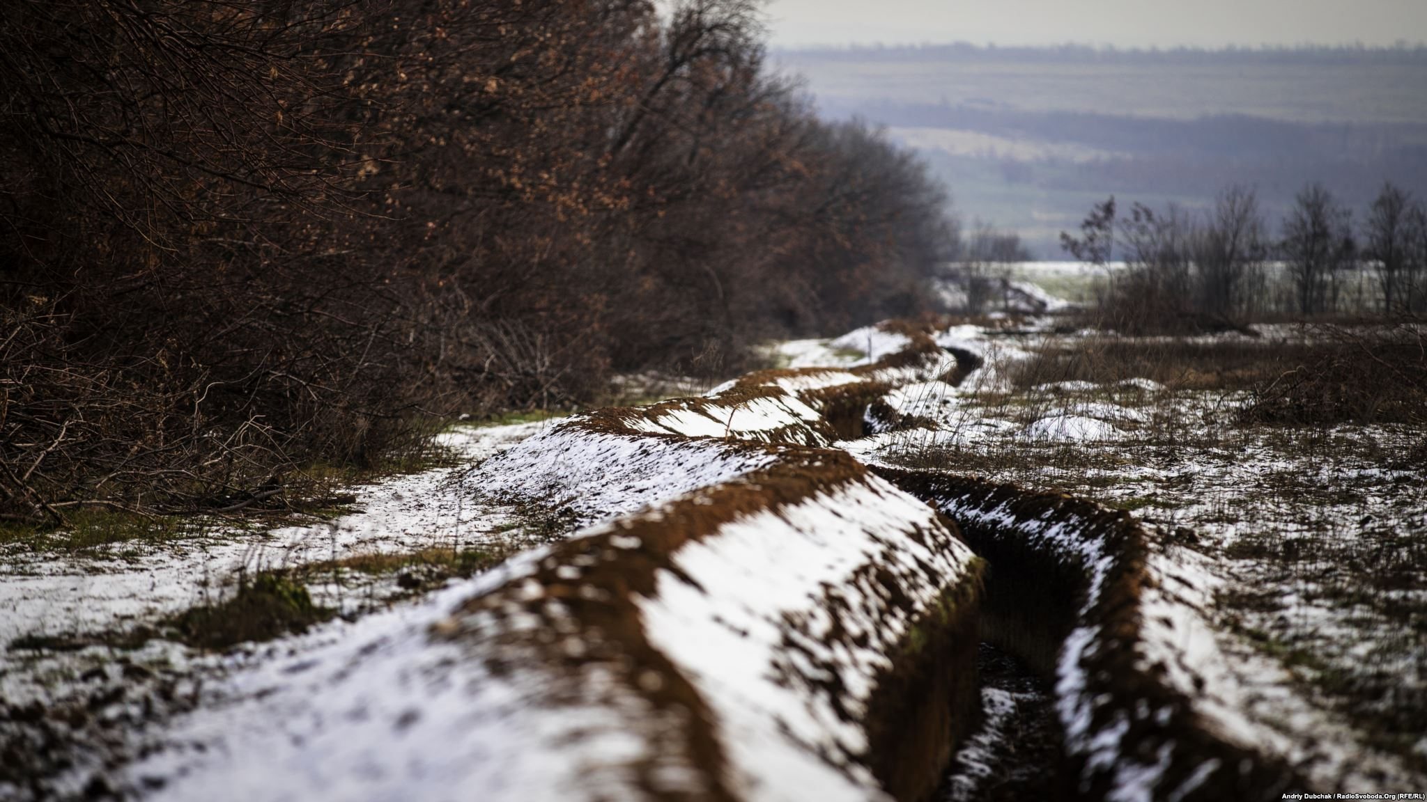 Trench lines of Ukrainian military positions, near Popasna (photo by ukrainian military photographer Andriy Dubchak)